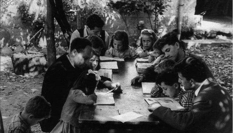 """La buona scuola delle """"traccie"""" contro l'insegnamento di Don Milani"""